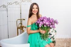 Marina from Kharkov 30 years - nice smile. My small public photo.