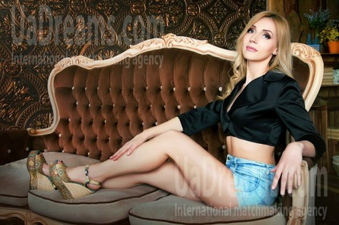 Oksana from Zaporozhye 39 years - beautiful and wild. My small public photo.