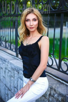 Oksana from Zaporozhye 39 years - seeking man. My small public photo.