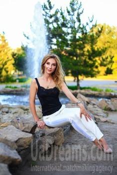 Oksana from Zaporozhye 39 years - single russian woman. My small public photo.