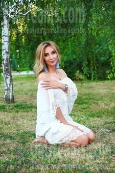 Oksana from Zaporozhye 39 years - happy woman. My small public photo.