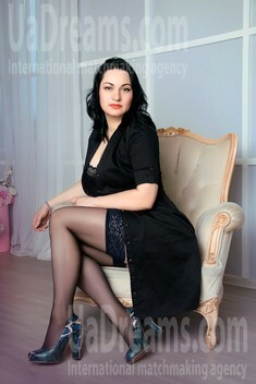 Irina from Zaporozhye 39 years - charm and softness. My small public photo.