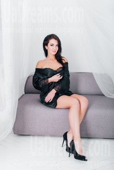 Natalie from Cherkasy 28 years - charm and softness. My small public photo.