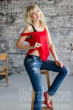Svetlana from Kharkov 39 years - Music-lover girl. My small public photo.
