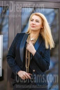 Sveta from Kremenchug 42 years - searching life partner. My small public photo.