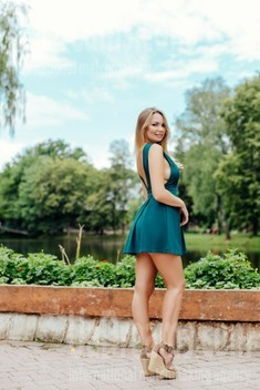 Julia from Ivanofrankovsk 25 years - smiling for you. My small public photo.