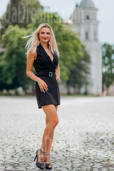Lena from Lutsk 26 years - waiting for you. My small public photo.