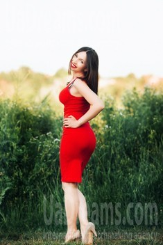 Lucy from Poltava 30 years - beautiful woman. My small public photo.