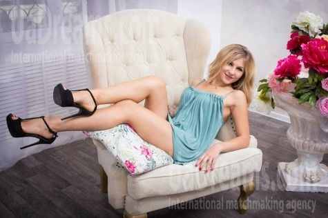 Anna from Kharkov 30 years - amazing girl. My small public photo.