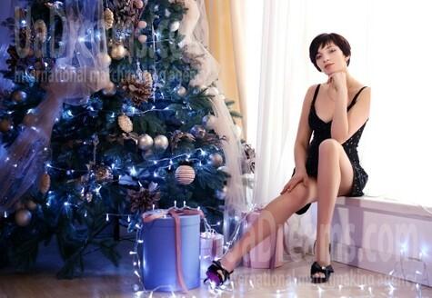 Anna 25 years - ukrainian girl. My small public photo.