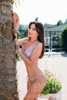 Nadia from Sumy 33 years - easy charm. My small public photo.