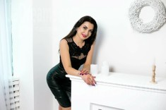 Nadia from Sumy 33 years - amazing girl. My small public photo.