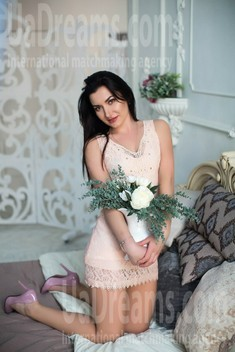 Nadia from Sumy 34 years - looking for relationship. My small public photo.