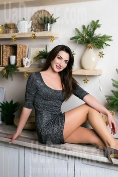 Nadia from Sumy 35 years - romantic girl. My small public photo.
