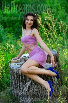 Nadia from Sumy 35 years - intelligent lady. My small public photo.