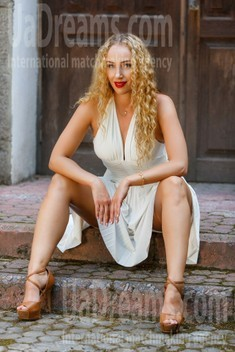 Tanya from Kremenchug 34 years - seeking soulmate. My small public photo.