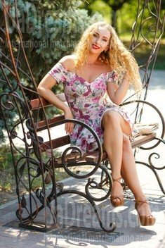 Tanya from Kremenchug 34 years - Warm-hearted girl. My small public photo.