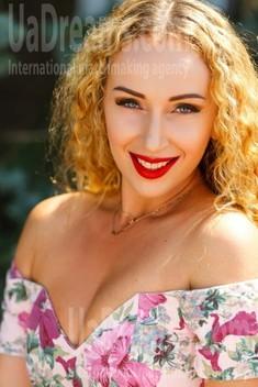 Tanya from Kremenchug 34 years - intelligent lady. My small public photo.