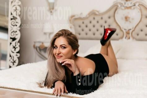 Svetlana from Ivano-Frankovsk 36 years - good girl. My small public photo.