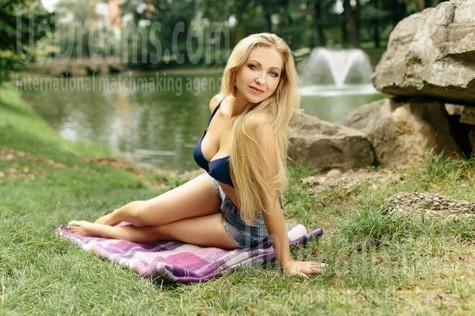 Svetlana from Ivanofrankovsk 35 years - natural beauty. My small public photo.
