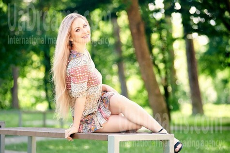 Svetlana from Ivanofrankovsk 36 years - intelligent lady. My small public photo.