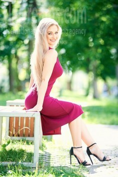Svetlana from Ivanofrankovsk 36 years - attentive lady. My small public photo.