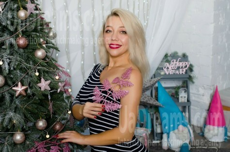 Ruslana from Cherkasy 45 years - kind russian girl. My small public photo.