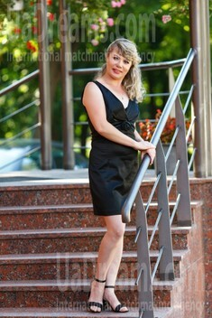 Tamila from Kremenchug 42 years - girl for marriage. My small public photo.
