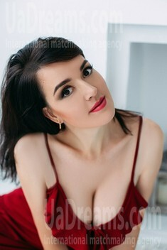 Olya from Sumy 40 years - intelligent lady. My small public photo.