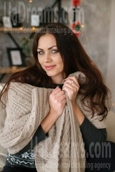 Yana from Dnipro 30 years - romantic girl. My small public photo.