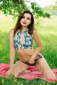 Natalie from Sumy 24 years - loving woman. My small public photo.