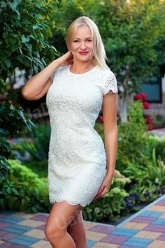 Elena Zaporozhye 42 y.o. - intelligent lady - small public photo.