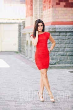 Tanya from Poltava 31 years - waiting for husband. My small public photo.