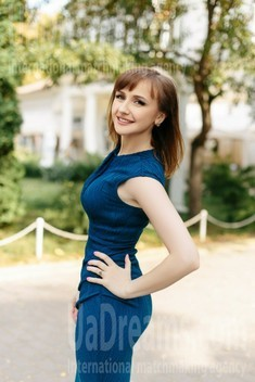 Olesia from Ivanofrankovsk 28 years - bright smile. My small public photo.