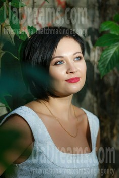 Lena from Kremenchug 36 years - bride for you. My small public photo.