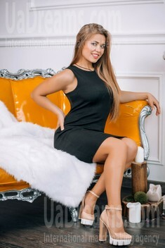 Ksenia from Lutsk 23 years - nice smile. My small public photo.