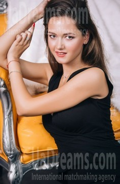 Nataly from Lutsk 24 years - loving woman. My small public photo.