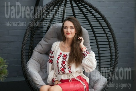 Nataly from Lutsk 25 years - loving woman. My small public photo.