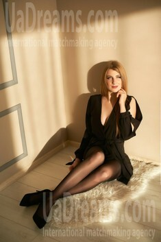 Natali from Ivanofrankovsk 22 years - cool photo shooting. My small public photo.
