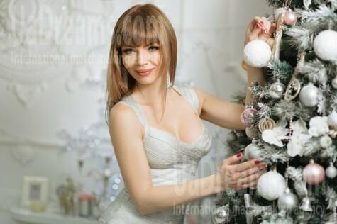 Lidiya 36 years - nice fiancee. My small public photo.