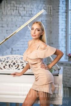 Oksana from Kiev 33 years - hot lady. My small public photo.