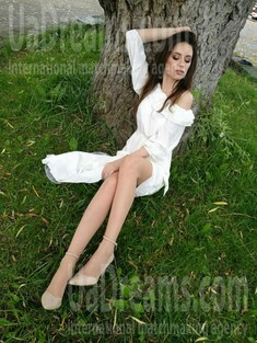 Lana from Ivano-Frankovsk 31 years - searching life partner. My small public photo.