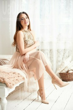 Lana from Ivanofrankovsk 30 years - look for a man. My small public photo.