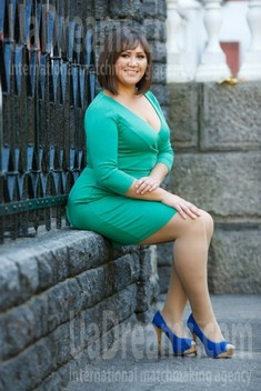 Lina from Kremenchug 37 years - single russian woman. My small public photo.