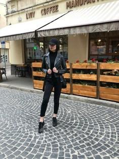 Anastasia from Lviv 20 years - happy woman. My small public photo.