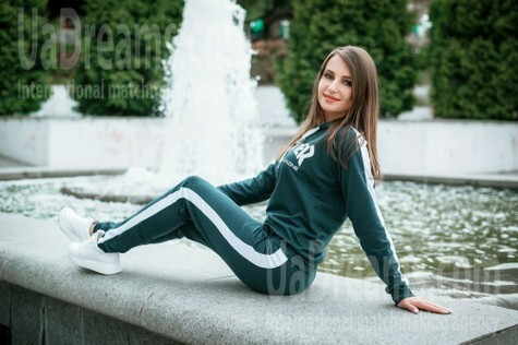 Irina from Dnipro 33 years - charm and softness. My small public photo.