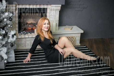 Elena from Kharkov 42 years - Warm-hearted girl. My small public photo.