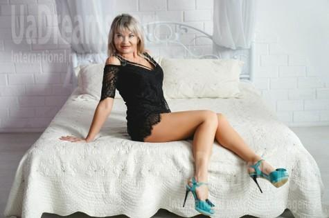 Vika 36 years - beautiful woman. My small public photo.