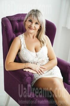 Vika 36 years - single lady. My small public photo.