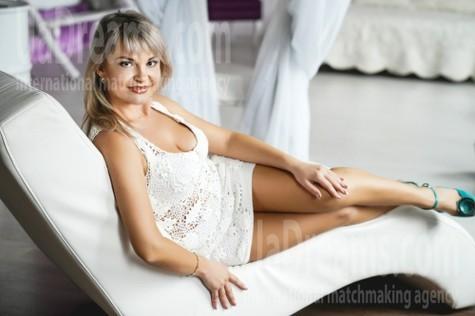 Vika 36 years - waiting for husband. My small public photo.